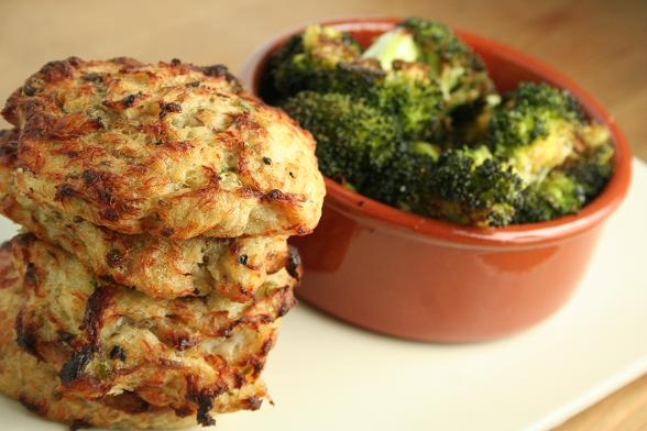 fishcakes-and-roasted-broccoli