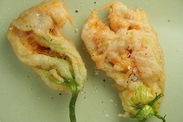 fried-courgette-flowers