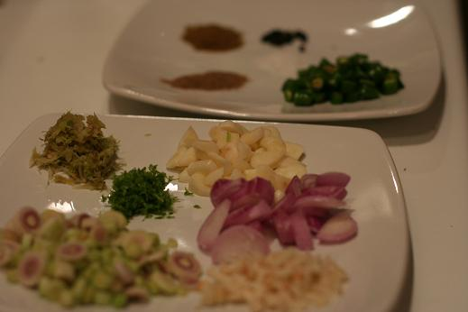 green_curry_ingredients.JPG