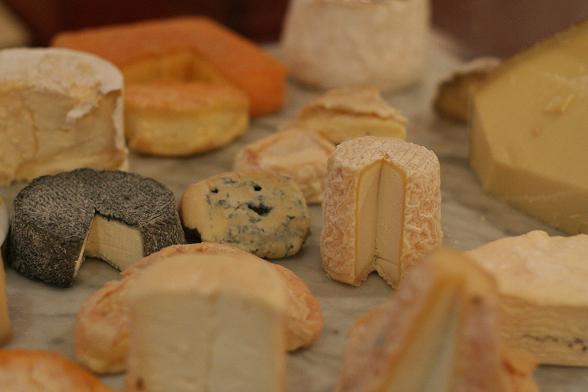 le-bouchon-breton-cheese-trolley