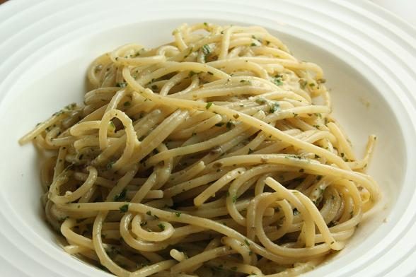 leftover-salsa-verde-with-spaghetti