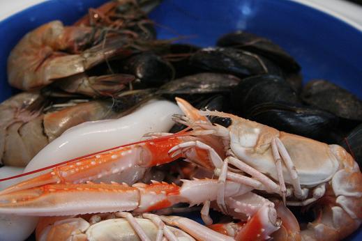 paella_raw_seafood.JPG