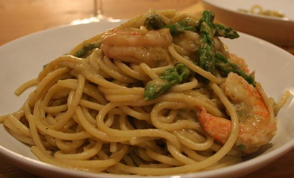 prawn_and_asparagus_pasta.JPG
