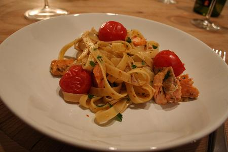 salmon_roast_tomato_pasta.JPG