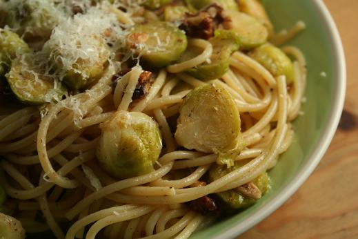 spaghetti_with_brussels_sprouts