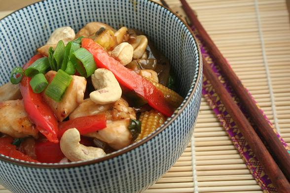 stir-fried-chicken-with-cashew-nuts